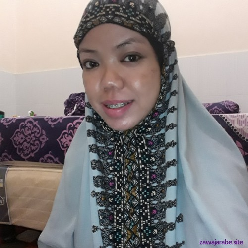 Picture of Lily, Woman 44 years old, from Makasar Sulawesi Selatan